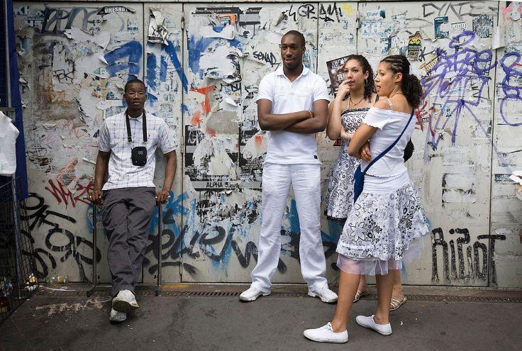 Paris_-_Black_immigrants_in_the_marche_Dauphine_-_2714 (2)